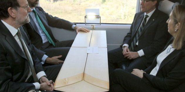 Cuatro horas juntos: Rajoy y Mas se reencuentran ante el príncipe Felipe en una