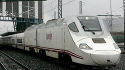 600 pasajeros, atrapados en un tren de noche y durante