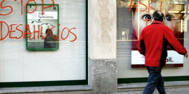 Los bancos mueven ficha: Kutxabank ordena la suspensión