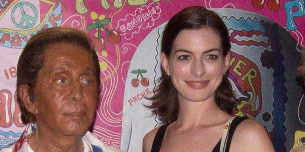 Fiesta Flower Power Ibiza 2015: Anne Hathaway, Valentino, Jon