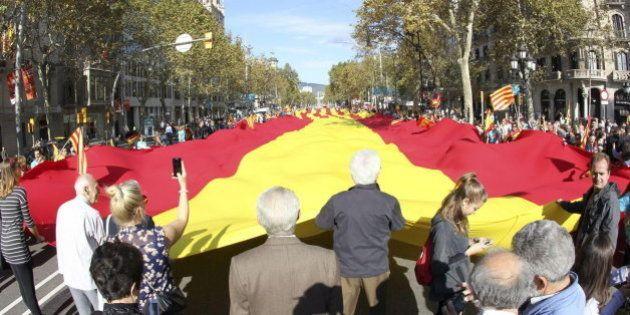 Miles de personas se manifiestan en Barcelona por una Cataluña dentro de