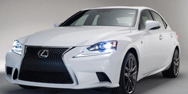 Lexus arriesga con su nueva generación del