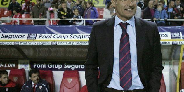 El Sevilla destituye a Míchel tras lograr cuatro puntos de los últimos 21 posibles; Emery, nuevo