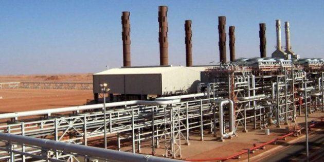 Terroristas mantienen secuestrados a una veintena de extranjeros en una planta de gas en