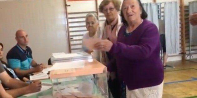En Marea impugna una mesa electoral al detectar a una anciana desorientada tratando de