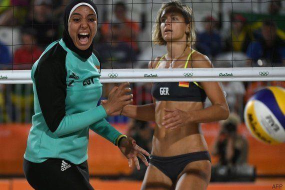 La jugadora egipcia de vóley playa se indigna por las críticas de sus