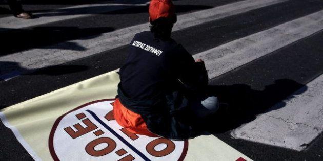 Solo un 3% de los griegos confía en la clase política, pero sube el apoyo a Amanecer