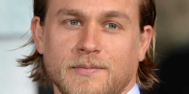 Charlie Hunnam no será Christian Grey: el actor abandona el rodaje de '50 sombras de