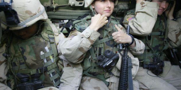 Estados Unidos permitirá a las mujeres servir en primera línea de