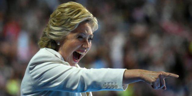 Por qué las seguidoras de Hillary Clinton van a votar vestidas de