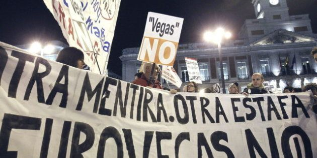 Cientos de personas se manifiestan en Madrid en contra de la construcción de