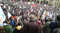 Miles de personas marchan en Santiago en defensa del