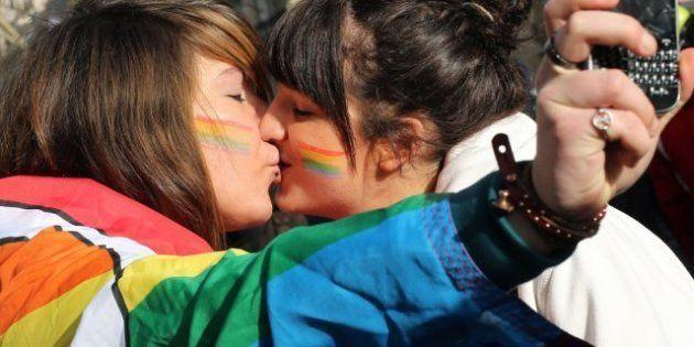 Multitudinaria manifestación en París a favor del matrimonio homosexual