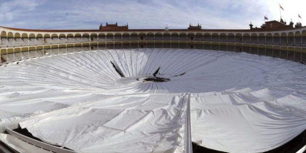 Se derrumba la nueva cubierta de la Plaza de Las Ventas sin causar daños