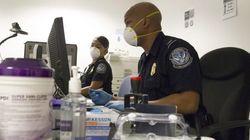 EEUU busca a los 132 pasajeros que volaron con una de las enfermeras con