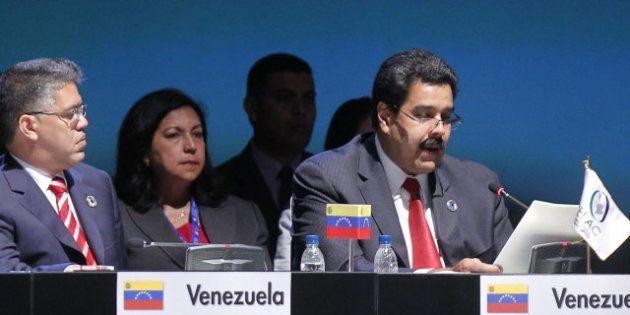 Hugo Chávez reaparece por carta en una cumbre y asegura estar