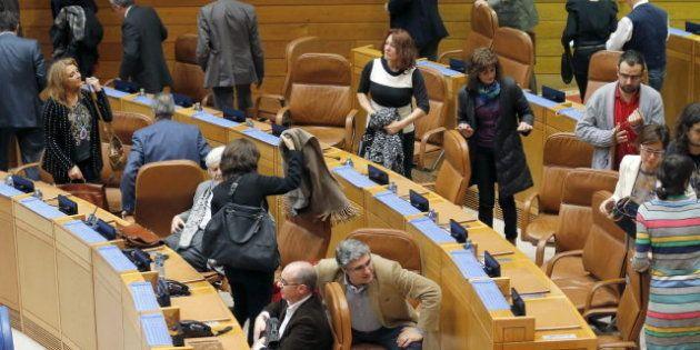 Suspendido el pleno del Parlamento de Galicia por el plante de la oposición y protestas del