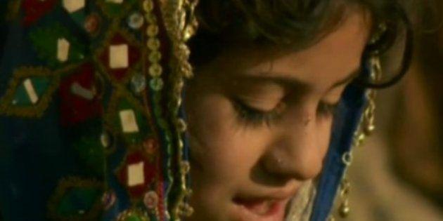 Un afgano vende a su hija de seis años como novia por no poder pagar una