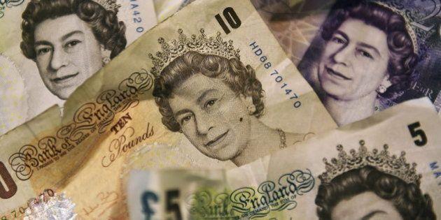 La libra se desploma ante el avance del 'sí' a la independencia de