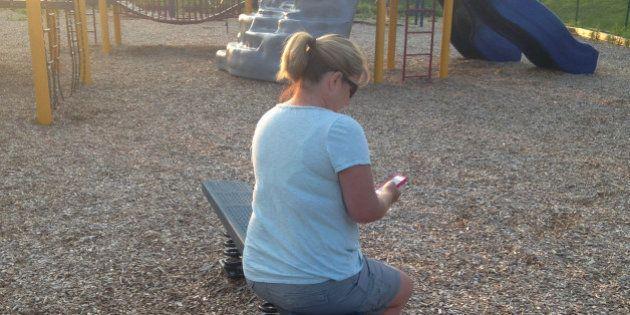 Querida mamá con iPhone: lo estás haciendo