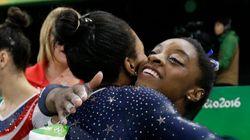 Simone Biles y Gabby Douglas, las gimnastas americanas que han hecho