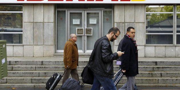 Los sindicatos de Iberia barajan