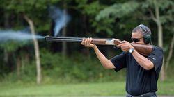 Obama, disparando