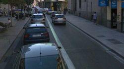 Un taxista arolla a cinco personas en