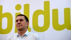 Arnaldo Otegui se pone