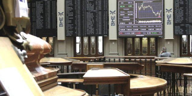 España adjudica 4.610 millones en una subasta de deuda, pero vuelve a subir el