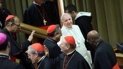 Los obispos proponen dar una mejor acogida a divorciados y gays,