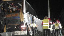 Tres muertos y numerosos heridos al chocar dos autobuses en