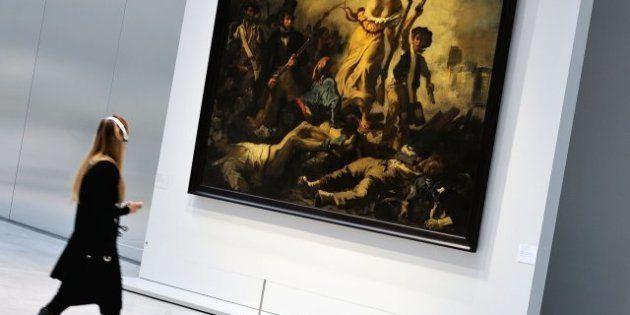 Ataque a 'La libertad guiando al pueblo': la pintada en el lienzo de Delacroix, limpiada sin dejar