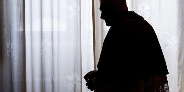 El papa dimite: Los escándalos de sus ocho años de