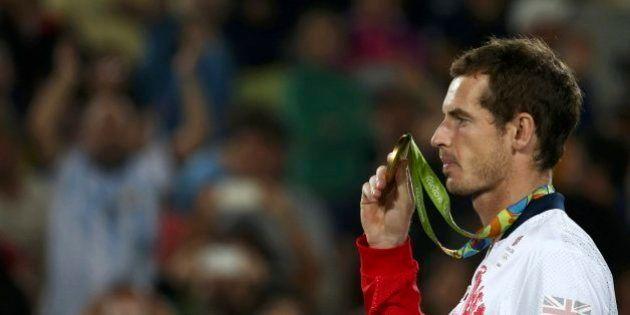Andy Murray corrige al periodista que se olvida de que también hay tenistas