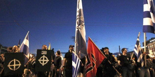 El partido neonazi Amanecer Dorado crea 'Médicos con Fronteras', que ofrece asistencia solo a griegos...