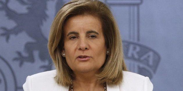 Fátima Báñez asume las funciones de Sanidad, Servicios Sociales e