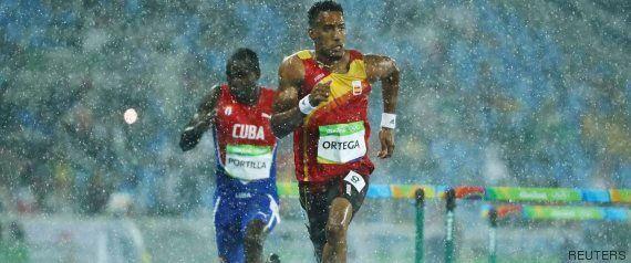 A Río 2016 se le olvida cubrir la colchoneta de saltos de pértiga y los atletas acaban
