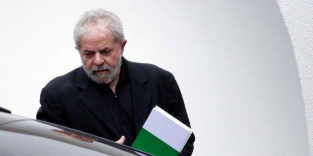 Presentan cargos contra Lula en un caso de lavado de