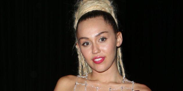 Miley Cyrus la lía en Instagram por publicar una foto de Jodie Sweetin, la actriz de 'Madres