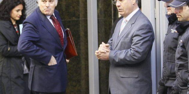 Anticorrupción pide que se prohíba a Bárcenas salir de