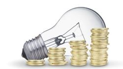Las eléctricas ofrecen un precio fijo de la luz hasta 100 euros superior al