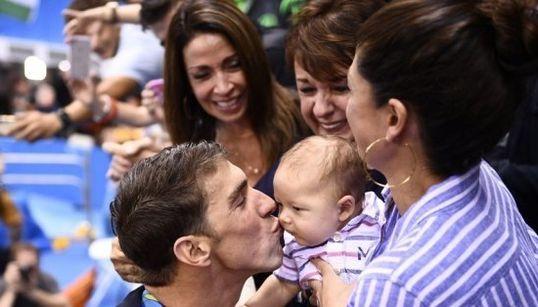 13 emotivas fotos de atletas celebrando con sus hijos sus