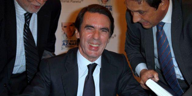 Un juez sostiene que Aznar cobró sobresueldos del PP... y el expresidente lo vuelve a