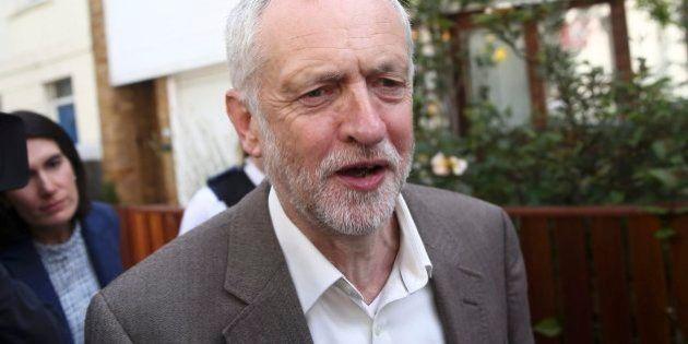 Jeremy Corbyn pierde la moción de confianza de su partido tras el