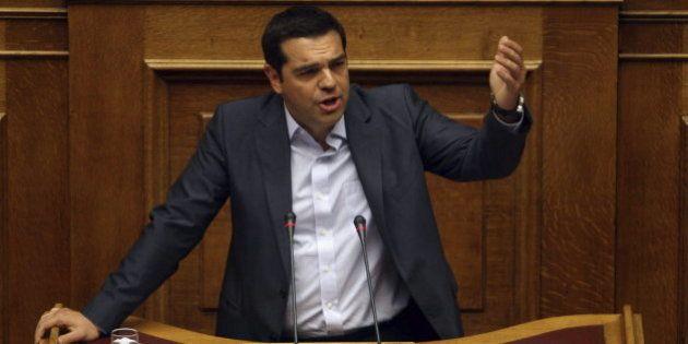 Grecia aprueba el tercer rescate con el voto en contra de 43 diputados de