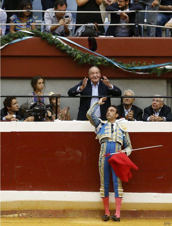 El rey Juan Carlos asiste al regreso de los toros en San Sebastián entre manifestaciones y
