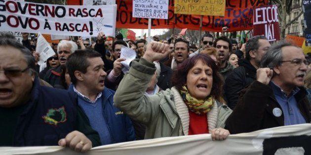 Cientos de miles de portugueses protestan en todo el país contra la austeridad y la 'troika'