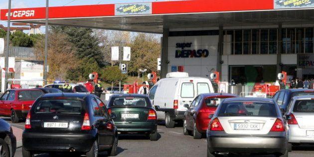 El IPC modera su caída al 0,8 % por los carburantes y la
