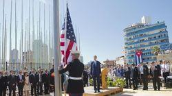 La bandera de EEUU ondea ya en la embajada de La